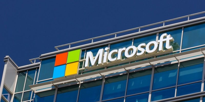 Microsoft cloud grows by 102%, while its mobile sink by 71%