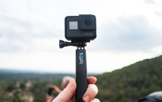 GoPro collapses with a 40% drop in revenues, the worst downturn in its history