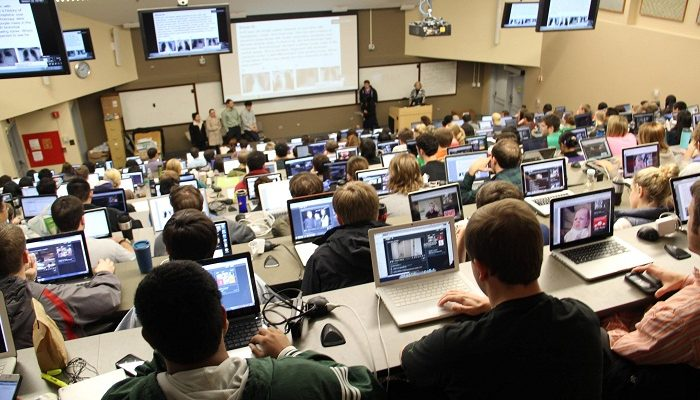 Should Laptops and Other Tech Gadgets Be Allowed in College Classrooms?